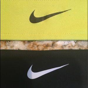 Bundle of two Nike headbands